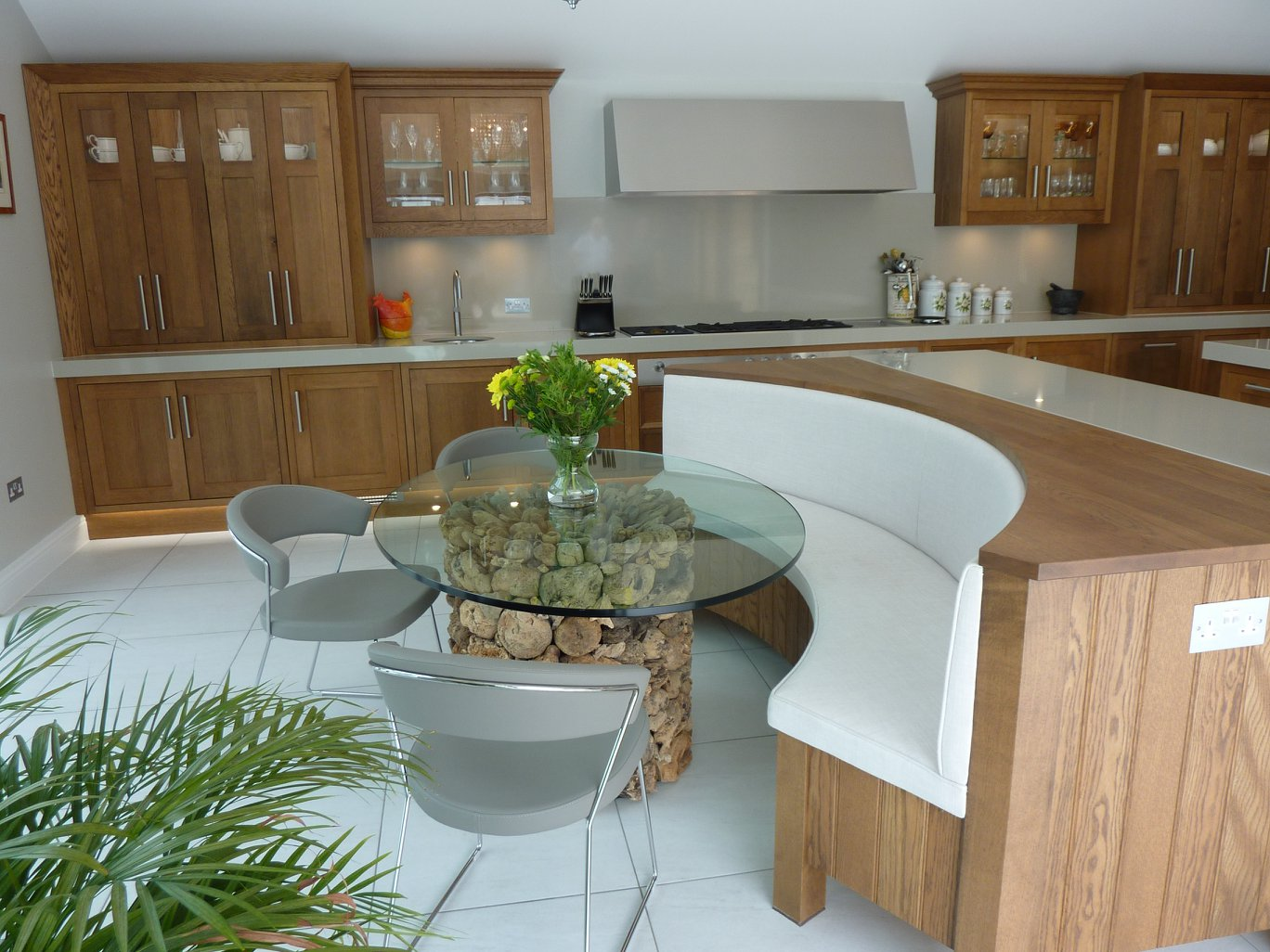Dark Oak Shaker Style Kitchen .jpg