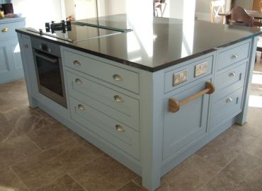 Shaker Kitchen in a beaded frame, Cholsey