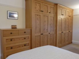 Pippy Oak Wardrobes, Abingdon, Oxfordshire